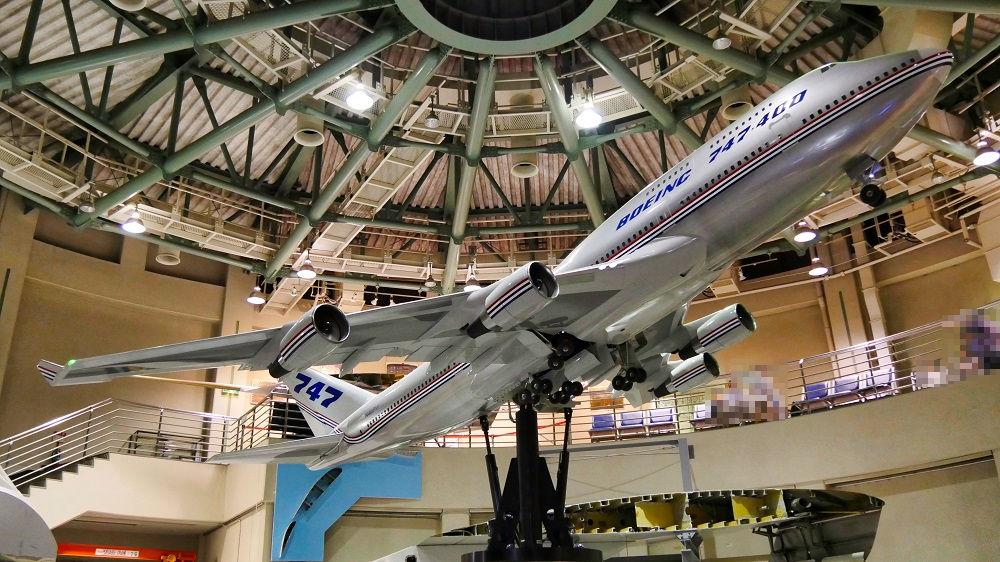航空科学博物1F西棟のボーイング747型機模型