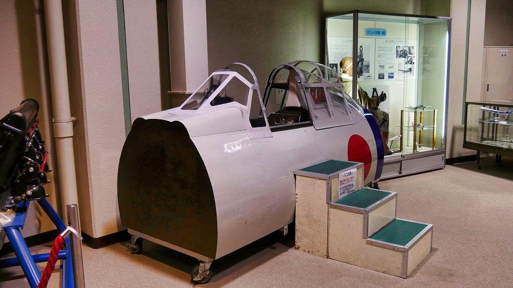 航空科学博物館の零戦21型機のコクピット模型