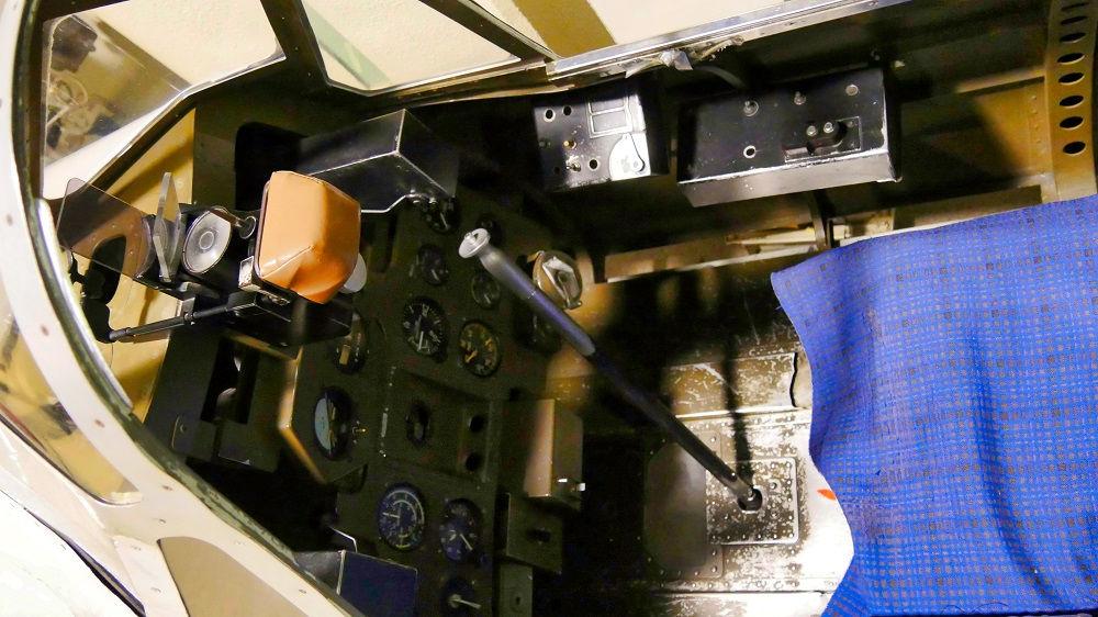 零戦21型機のコクピット内部