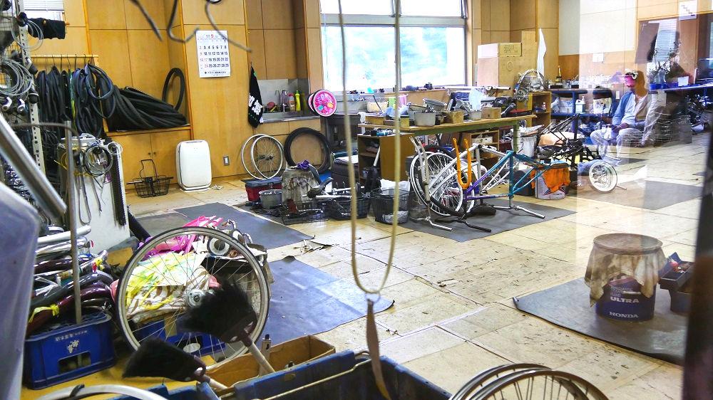 成田市リサイクルプラザの「フリ-マーケットと再生品即売会」再生工場
