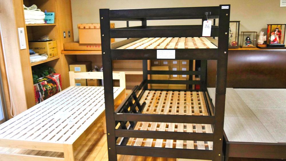 成田市リサイクルプラザの「フリ-マーケットと再生品即売会」1Fの2段ベッド