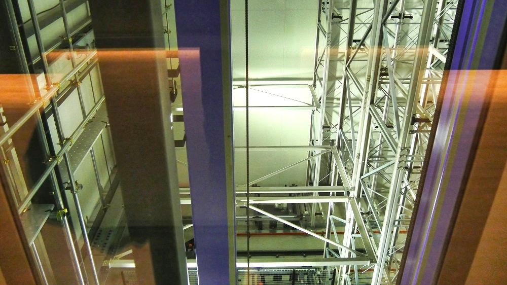 豊洲市場青果棟の自動立体低温倉庫