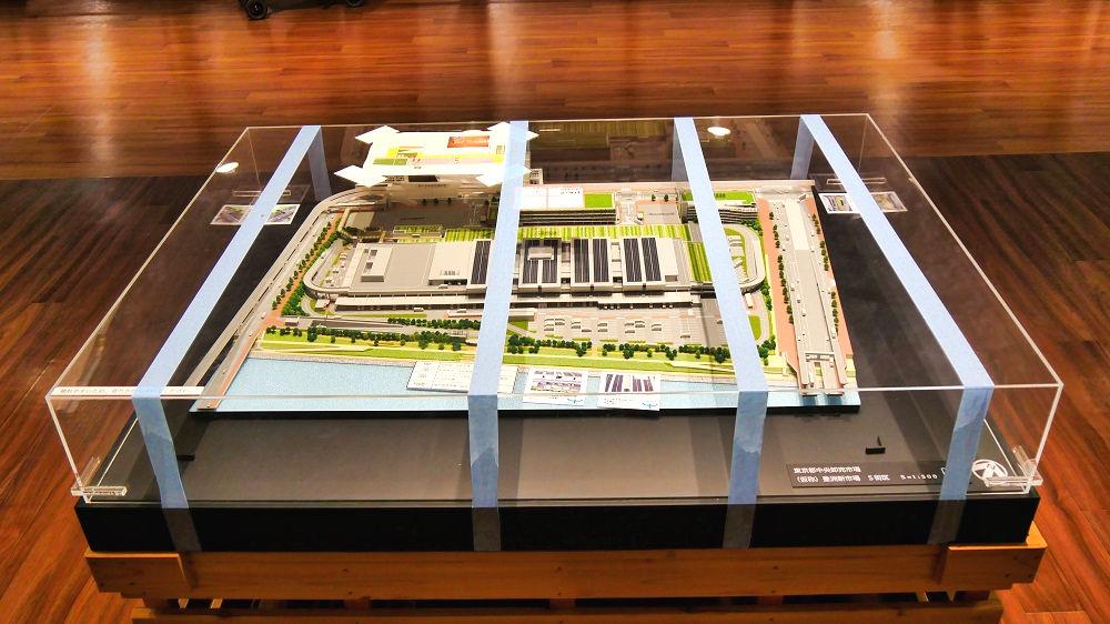 豊洲市場青果棟の見学デッキの模型