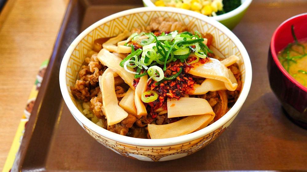 すき家の『食べラー・メンマ牛丼』