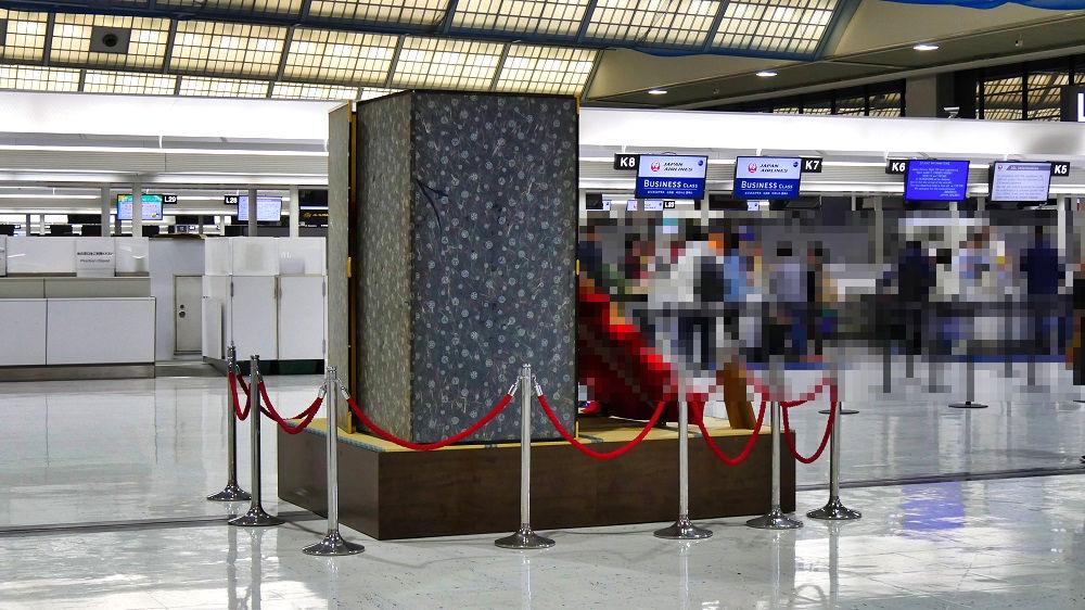 成田空港第2ターミナルのひな人形
