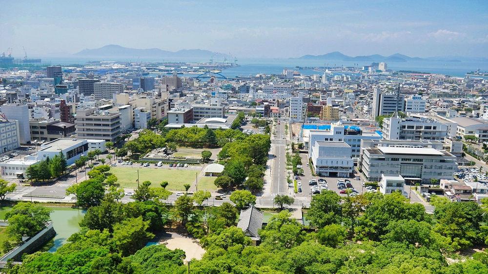 丸亀城の天守閣からの眺望