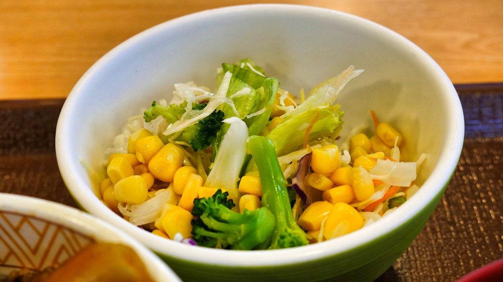 すき家の「野菜サラダ」