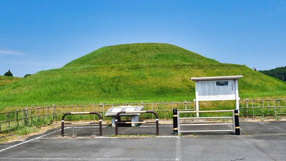 三昧塚古墳の駐車場