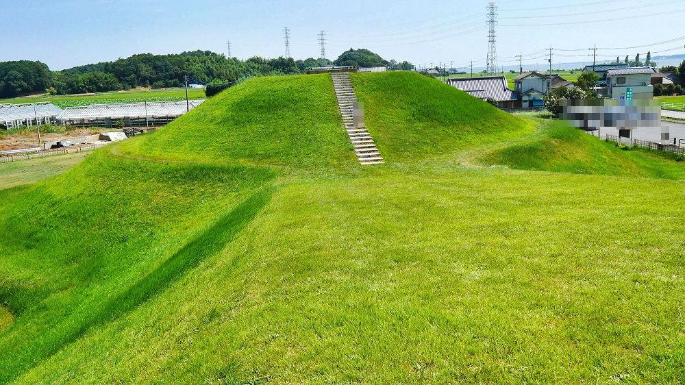 三昧塚古墳の「前方」部