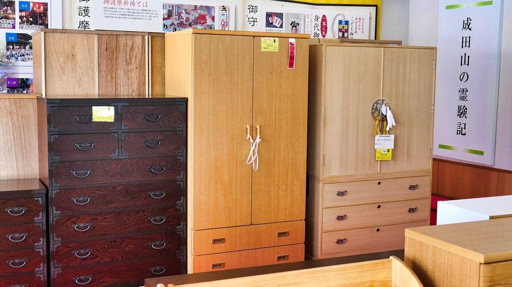 成田矯正展での大物家具の展示販売