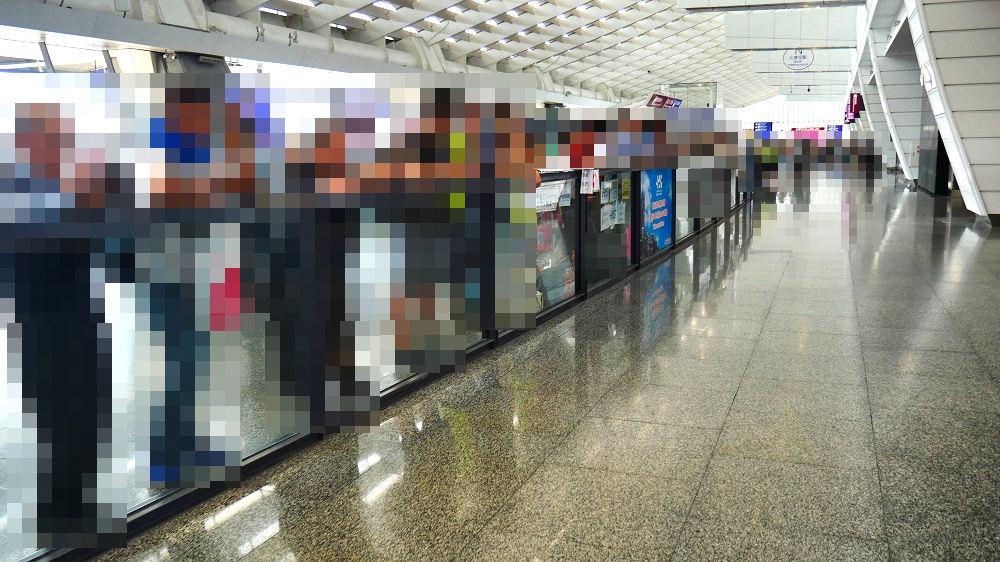 「台湾桃園国際空港」の出口