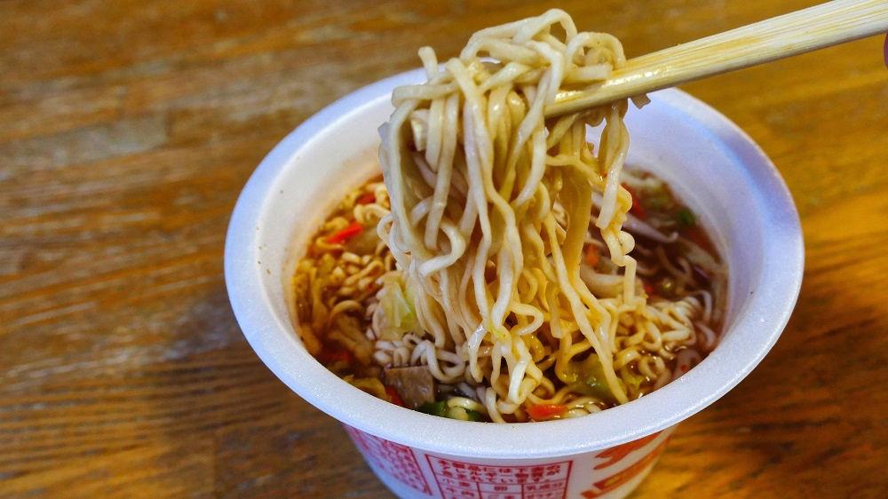 「ペヤング辛口味噌ヌードル」を実食