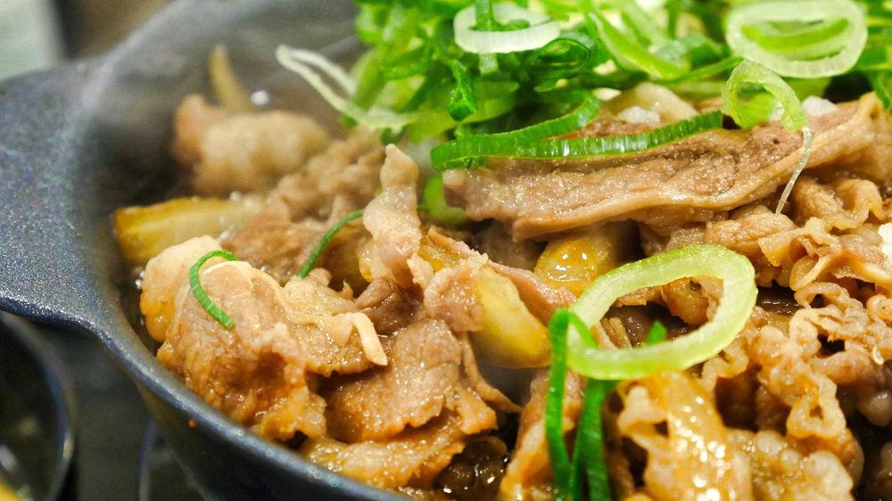 松屋の「お肉たっぷり牛鍋膳」は本当にお肉がたっぷり