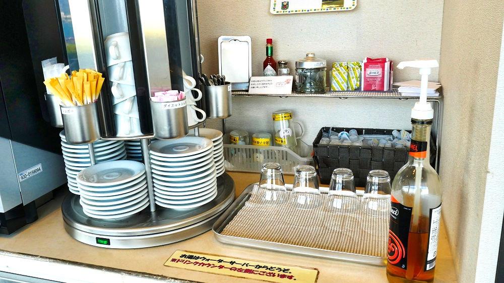 ビジネスラウンジアザレアのお茶コーナー