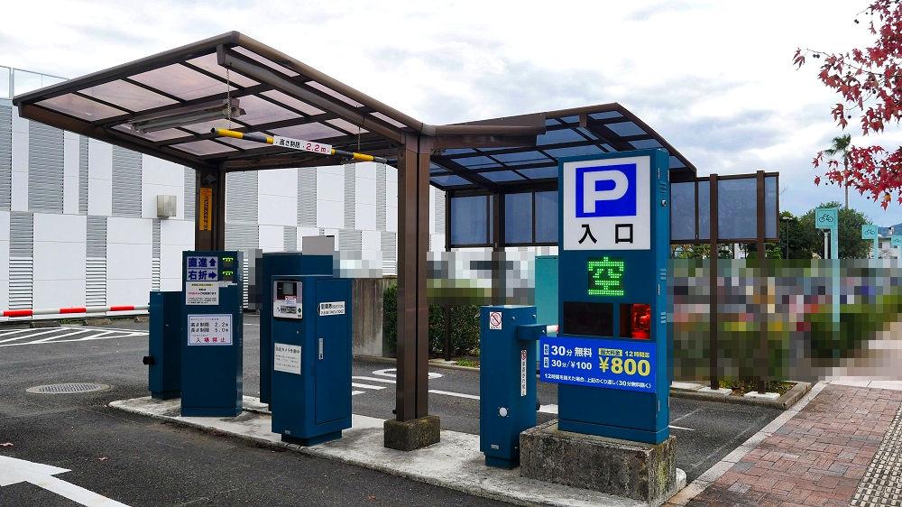 新みなとターミナルの駐車場