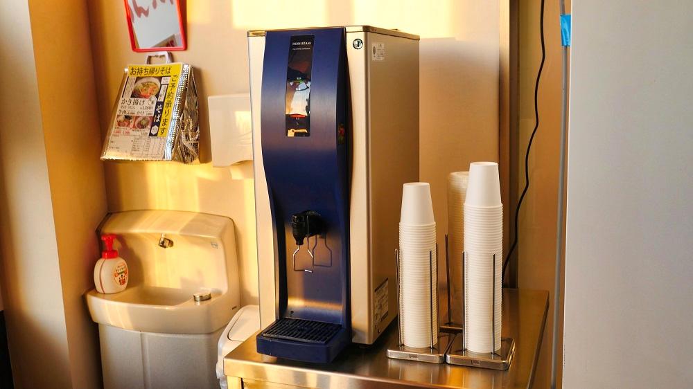 お食事処『めん六や』夢屋富里店の給水機