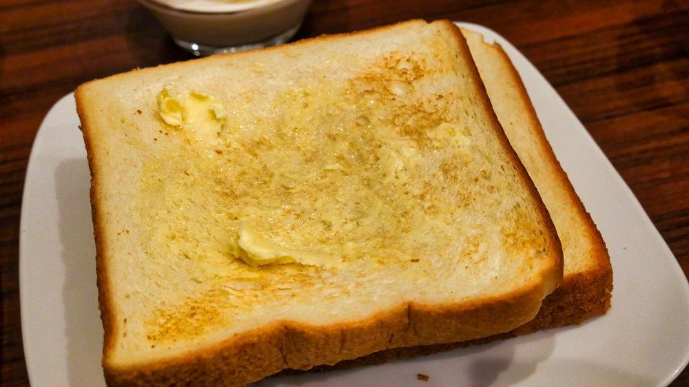快活CLUBの『無料モーニング食べ放題』の食パン