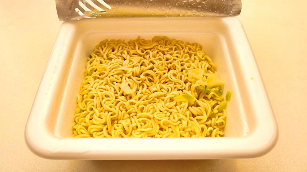 サンヨー食品「岩下の新生姜味 塩焼そば」完成・実食